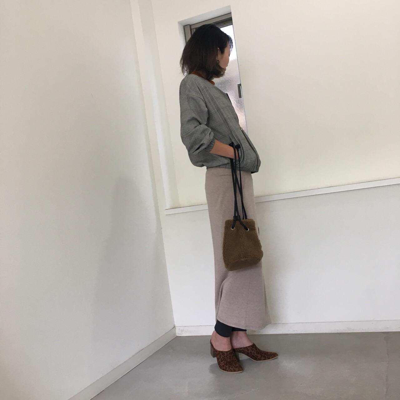 ベージュのスカートを使ったコーディネート画像